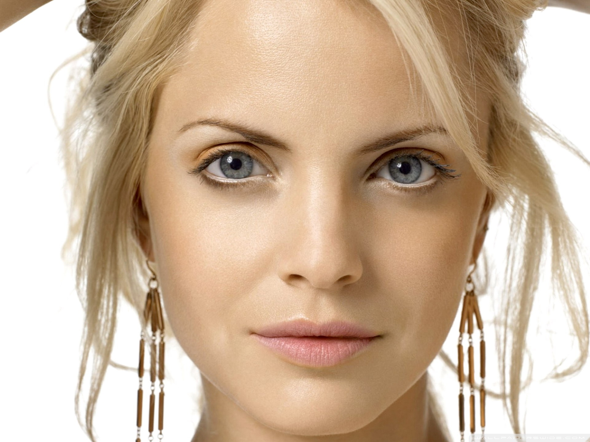 Mena Suvari 22 HD Wide Wallpaper for Widescreen