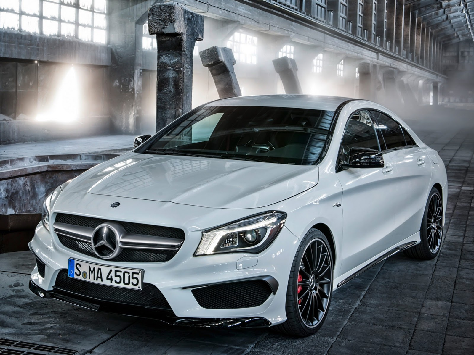 2014 Mercedes CLA 45 AMG First Photos Leaked - Photo Gallery