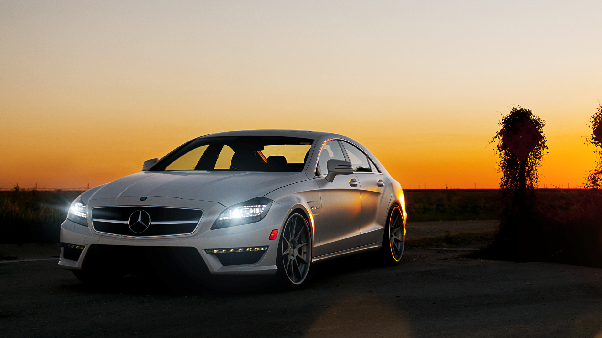 Mercedes CLS63 Background