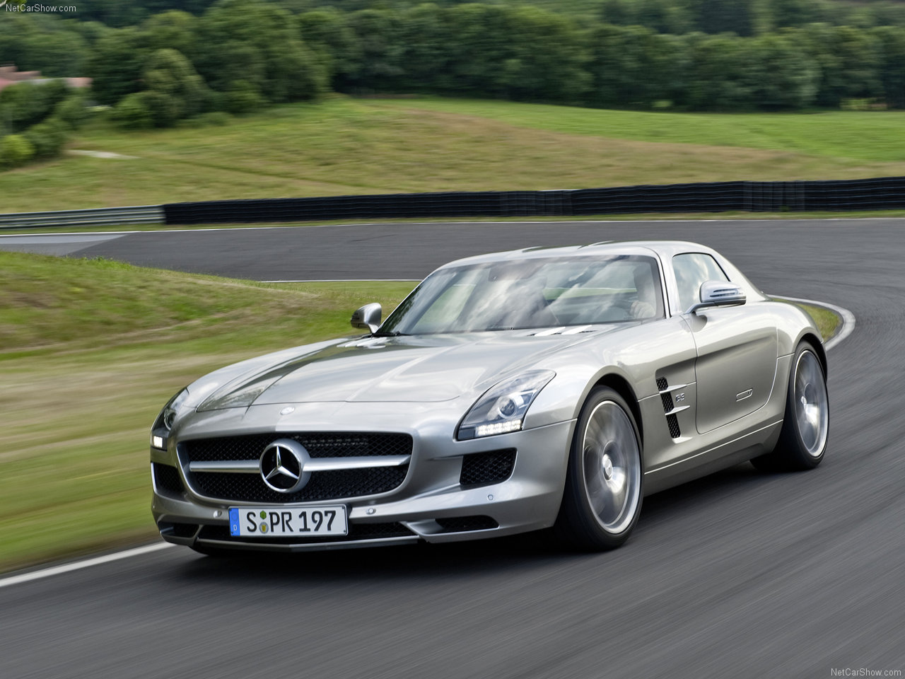 Mercedes Benz Sls Amg Wallpaper 02