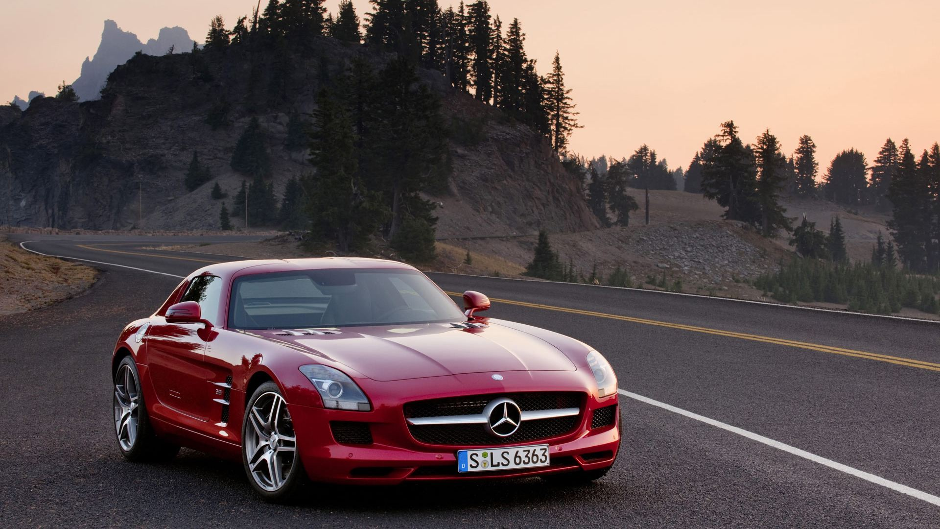 Mercedes-Benz SLS AMG red #2