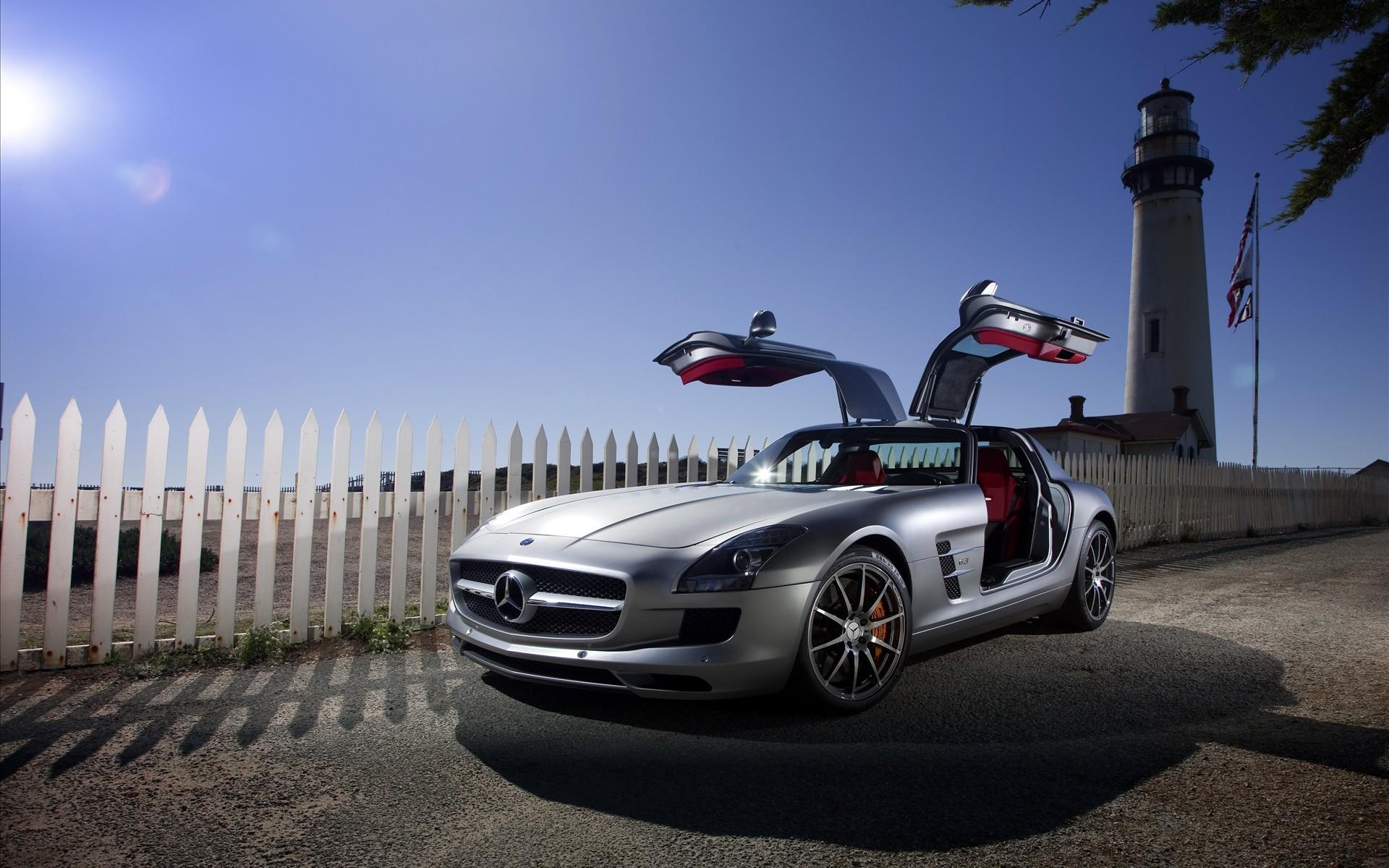 Mercedes SLS Wallpaper