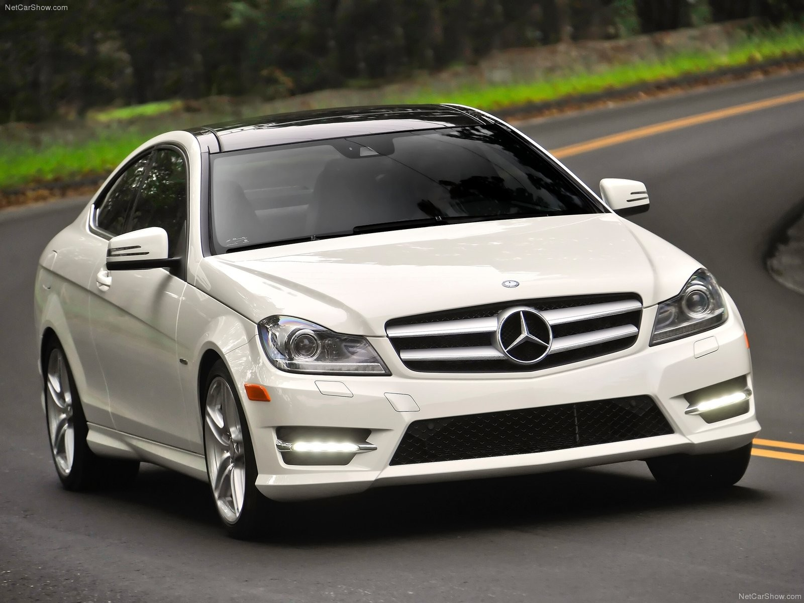 Download white cars coupe mercedes benz -48922-14 Desktop .