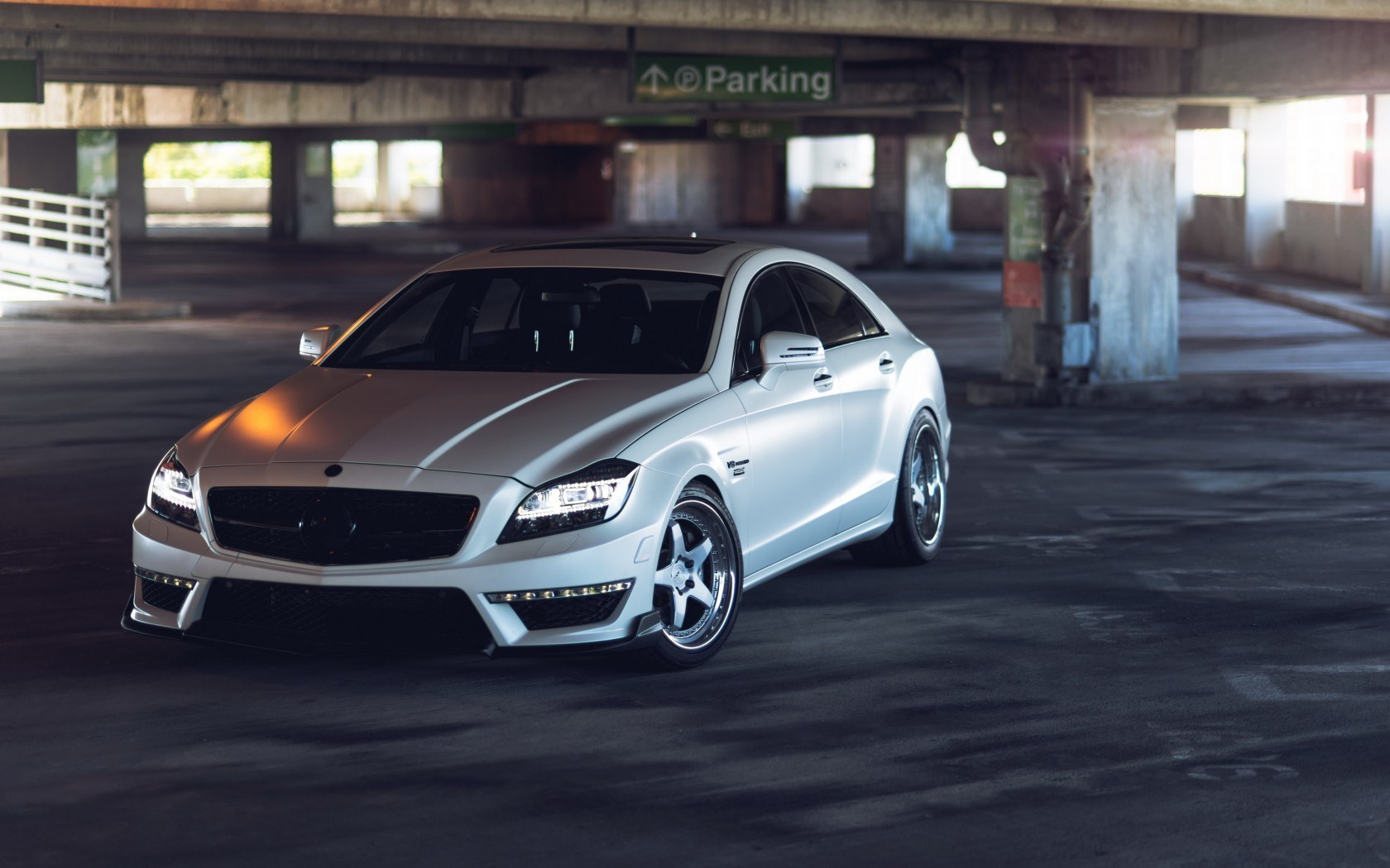 Mercedes-Benz CLS Car Parking