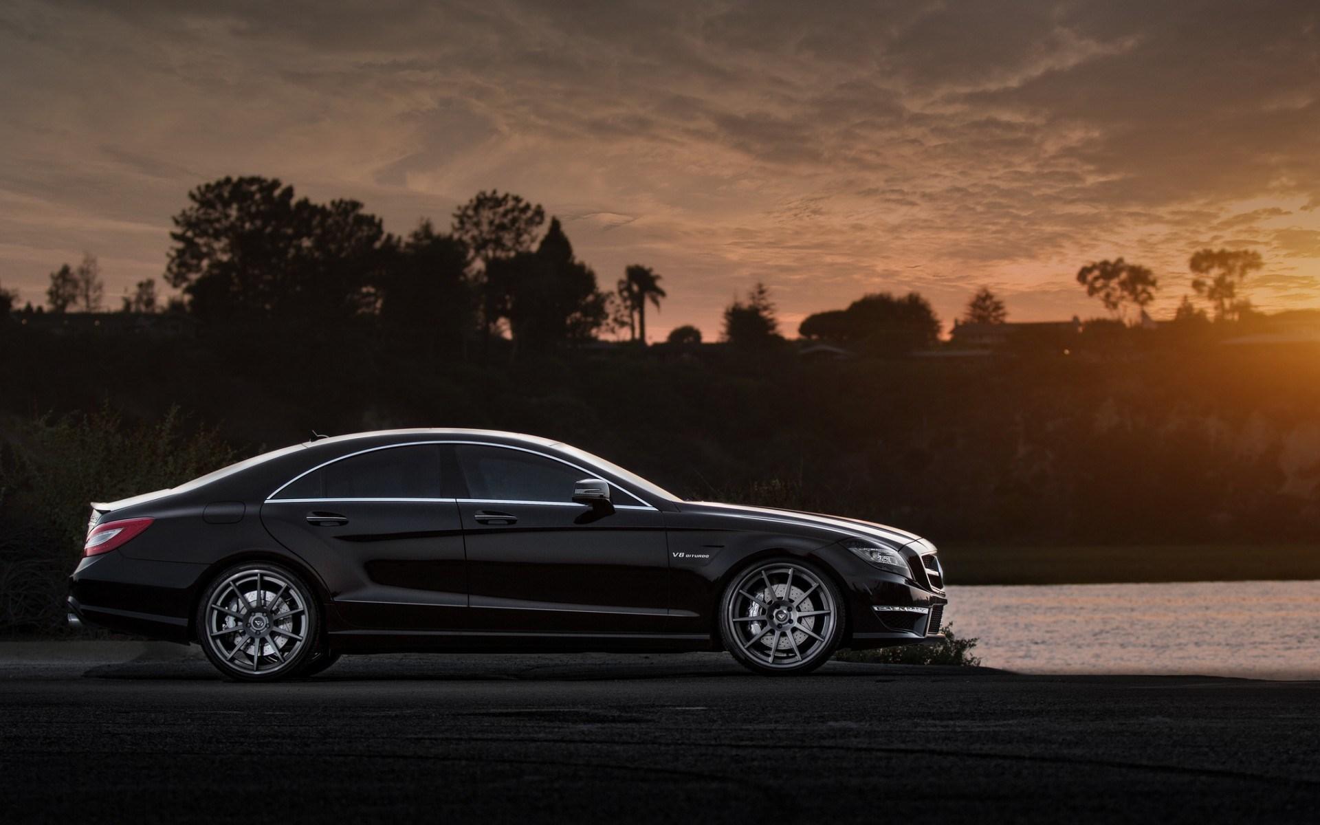Mercedes-Benz CLS63 AMG Lake