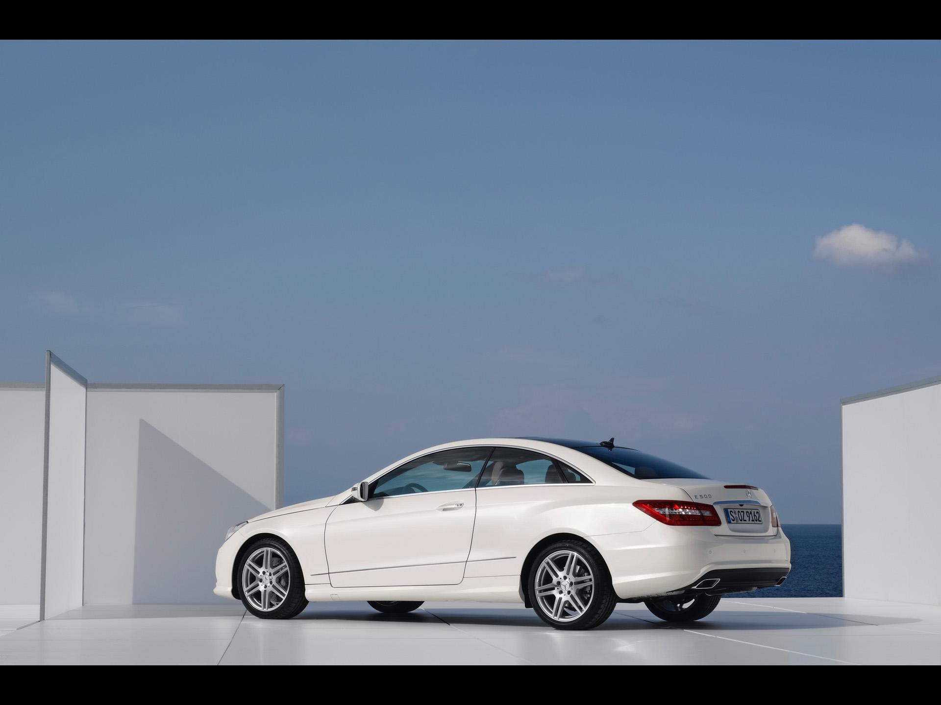 Mercedes E Class Coupe White ...