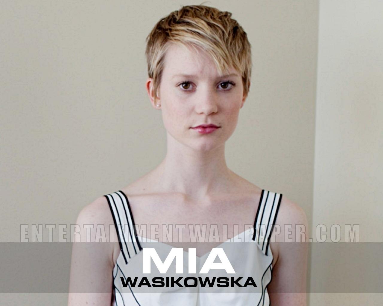 mia-wasikowska Wallpaper