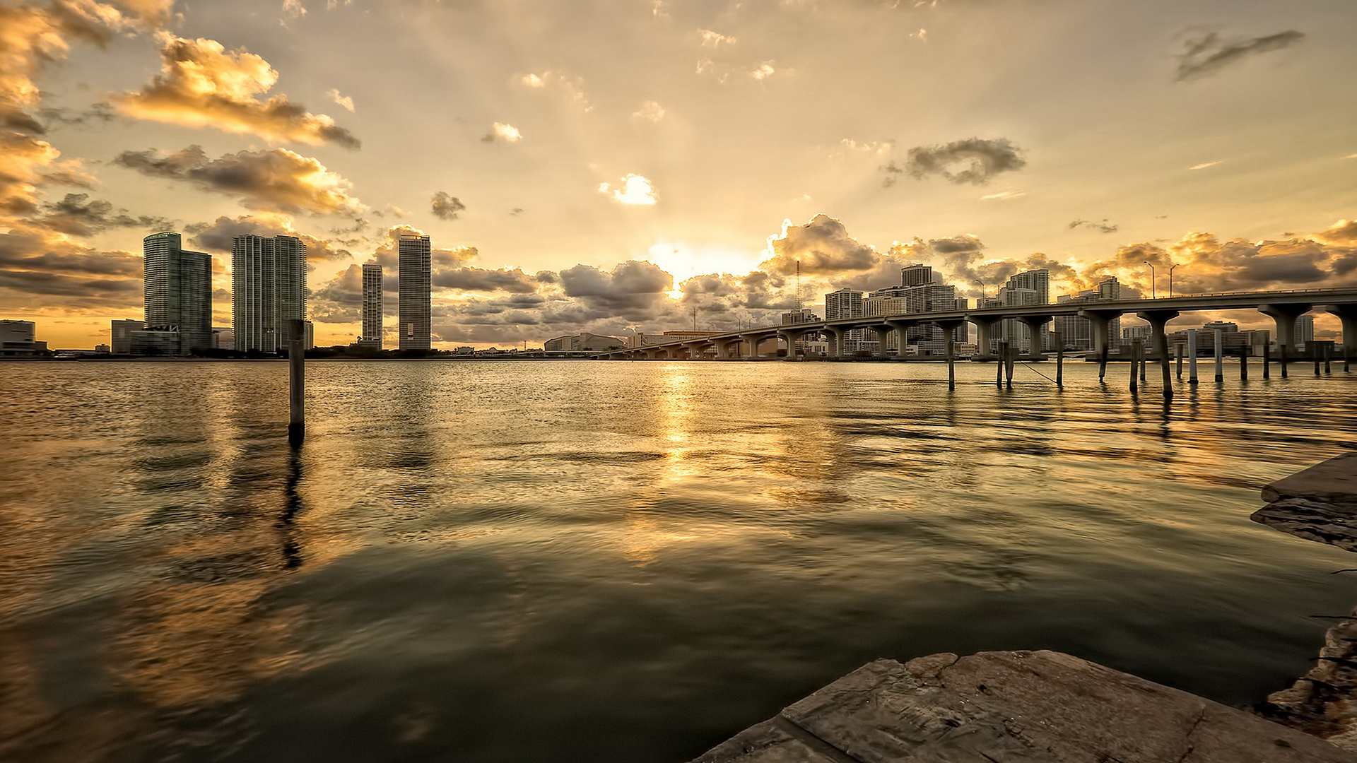 miami-abstract-wallpaper-1920x1080-1077.jpg
