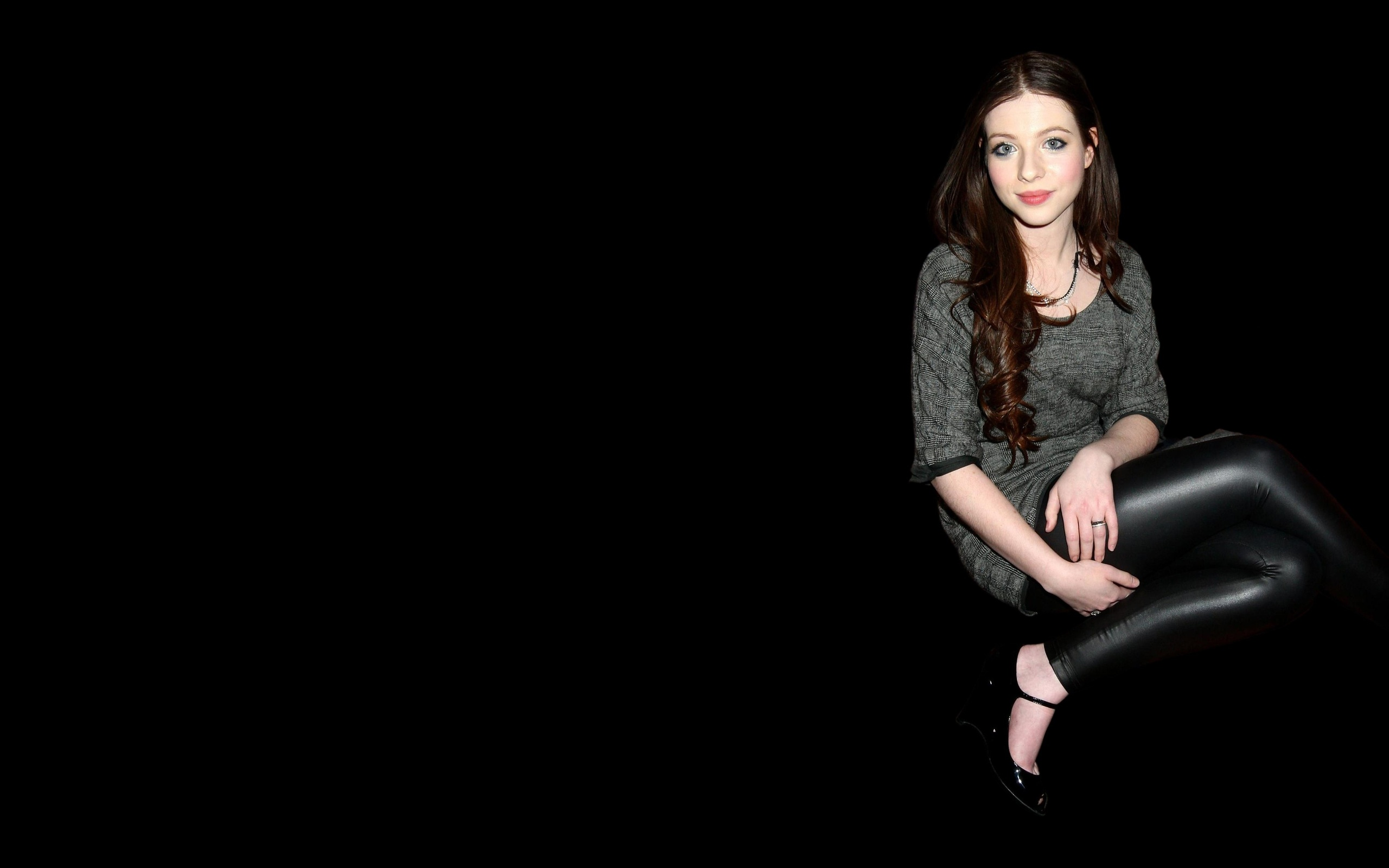 Michelle Trachtenberg Background
