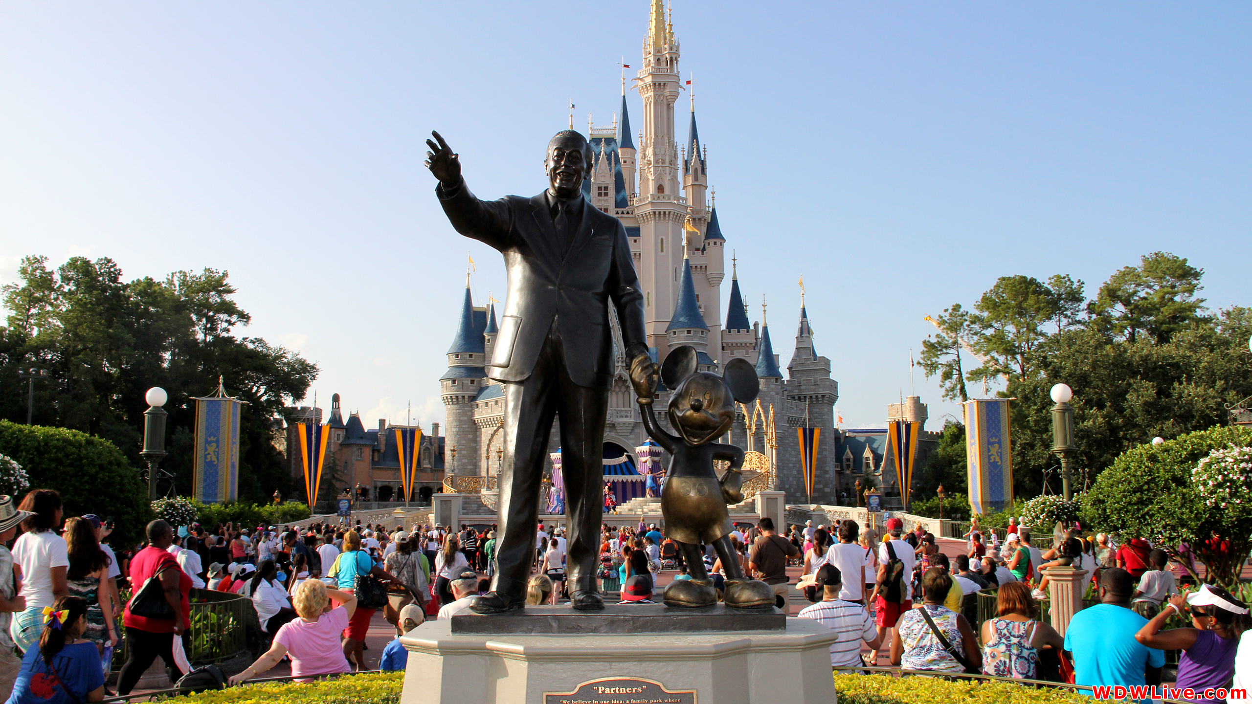 Mickey Mouse Disney Statue