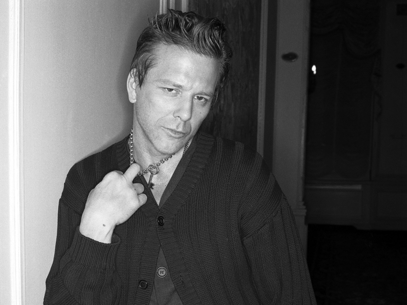 Mickey-Rourke-Net-Worth.jpg