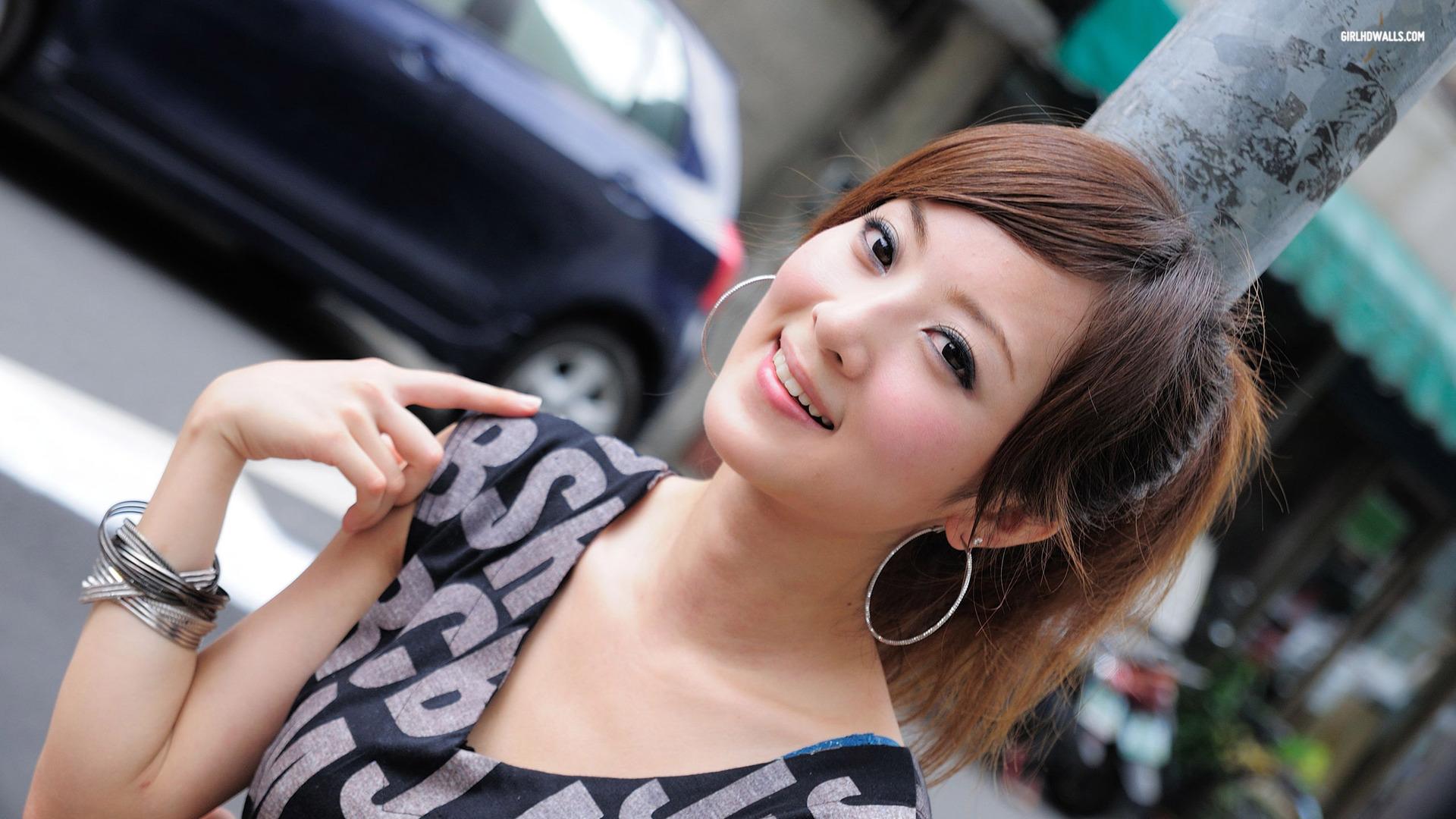 Сперма на лицо азиаткам 3 фотография