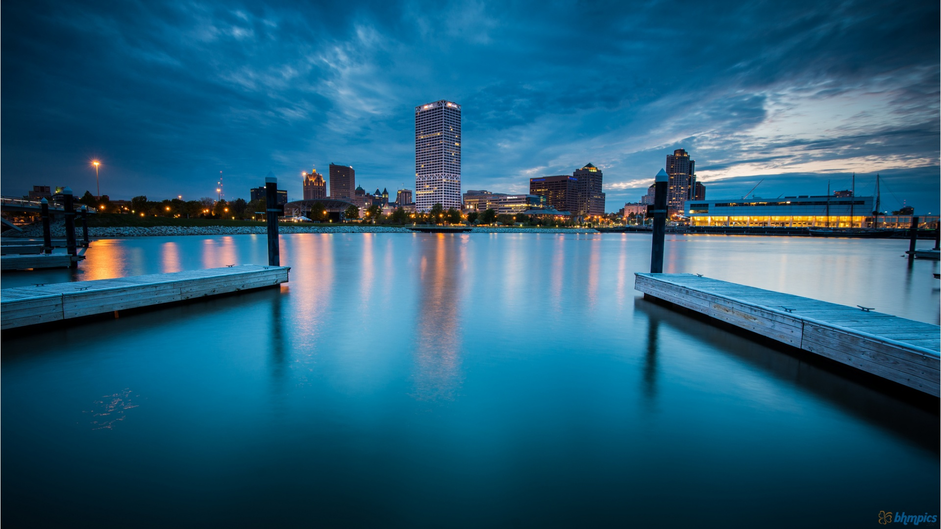 Docks In Milwaukee Harbor Hd Desktop Background HD wallpapers
