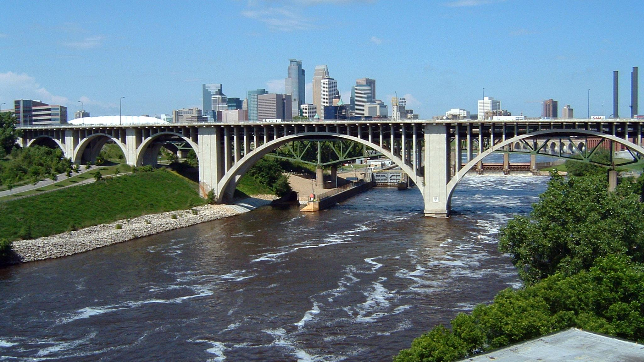 Cedar Avenue Bridge Minneapolis.jpg