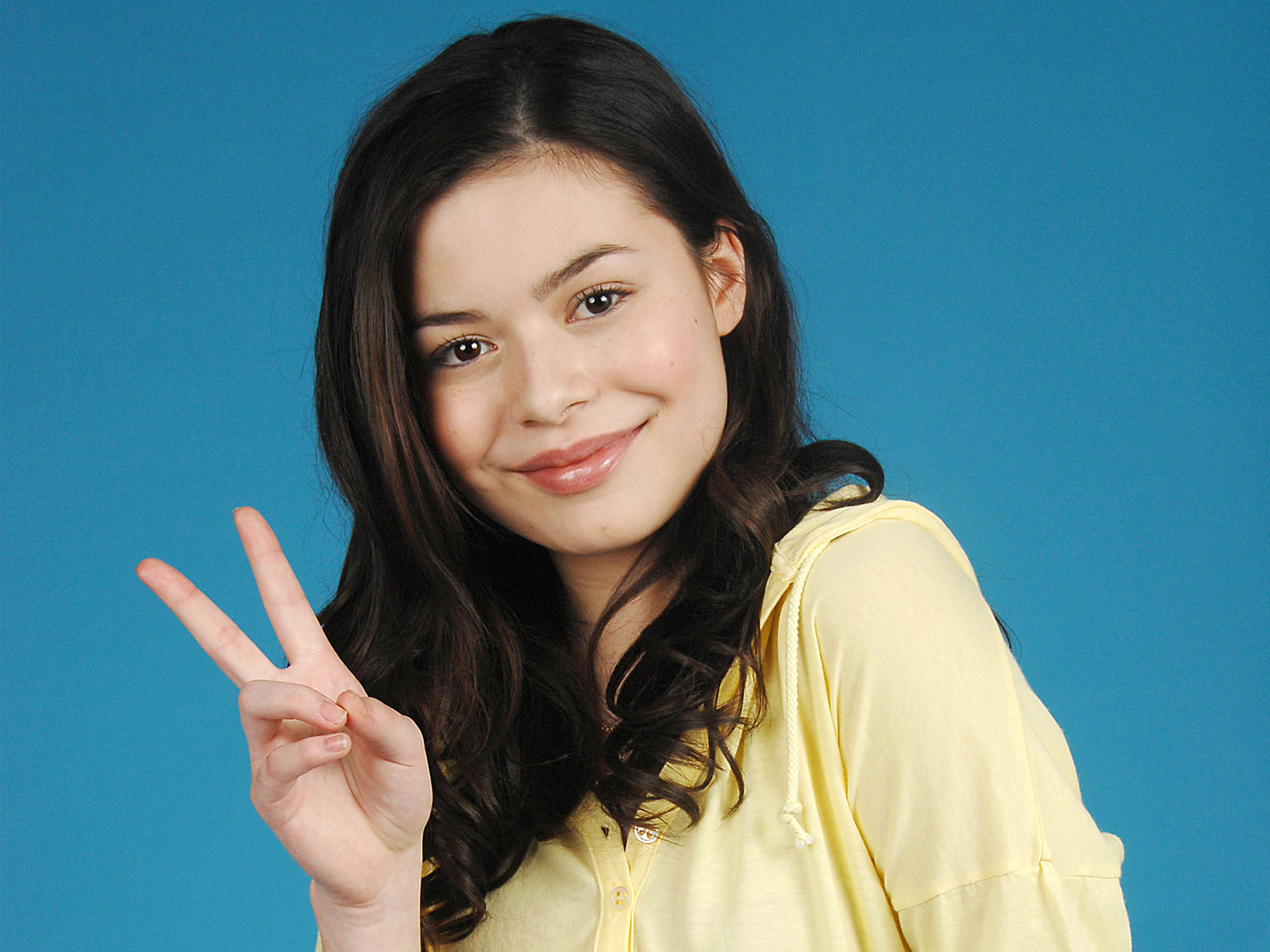 Miranda Cosgrove HD Wallpaper-0