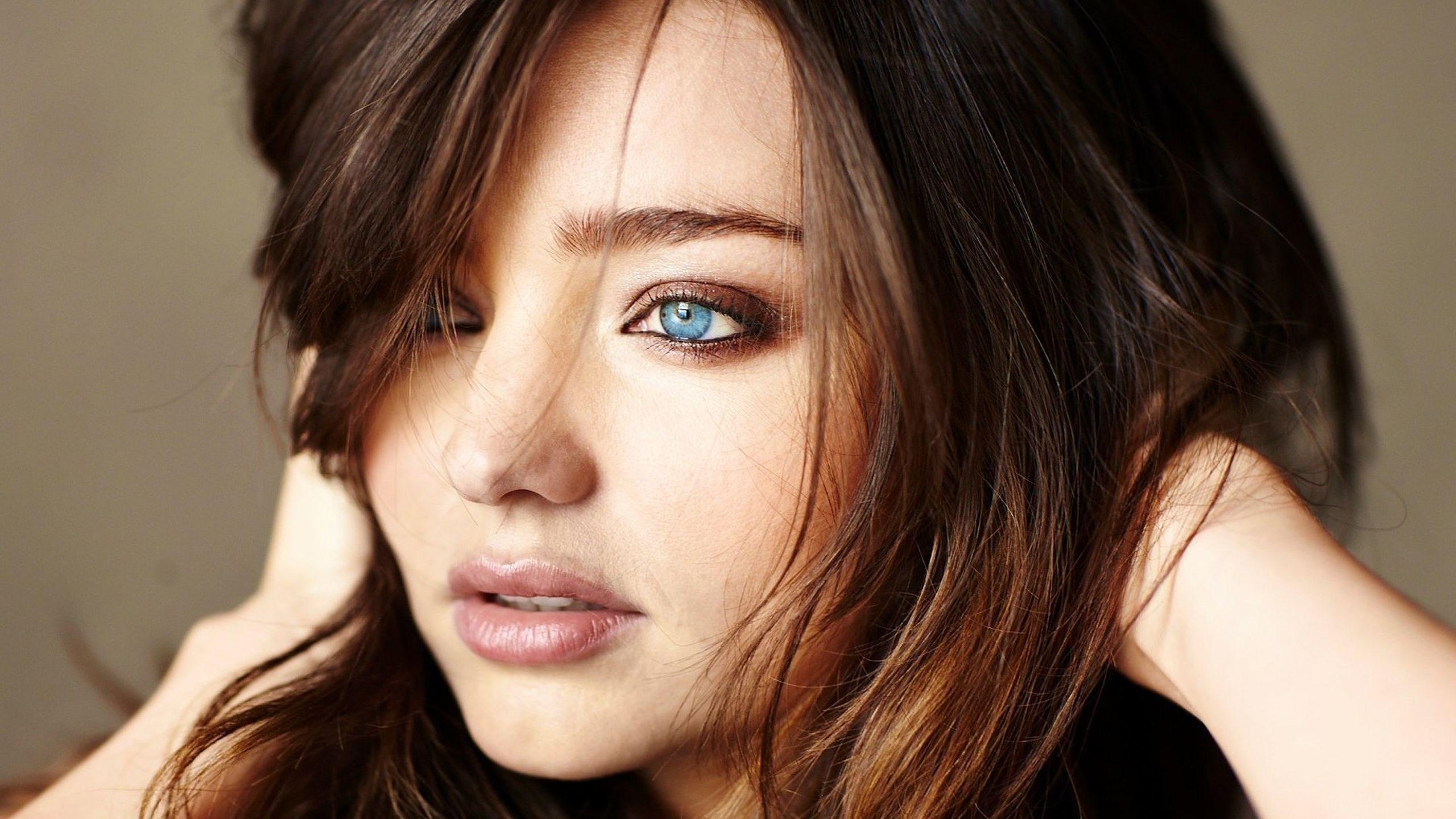 Miranda Kerr Girl Blue Eyes