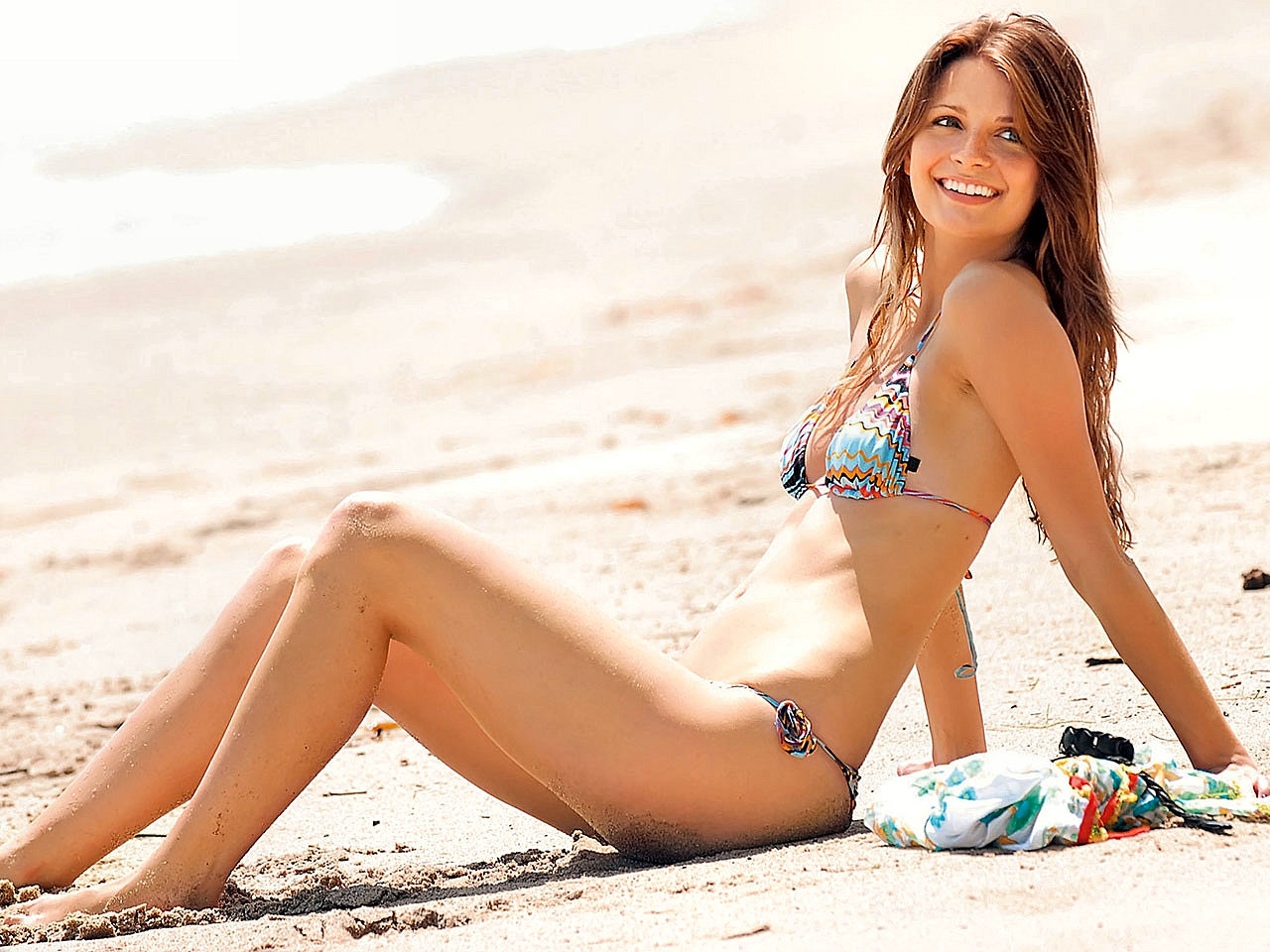 ... Mischa Barton bikini at the beach Mischa Barton hot wallpaper ...