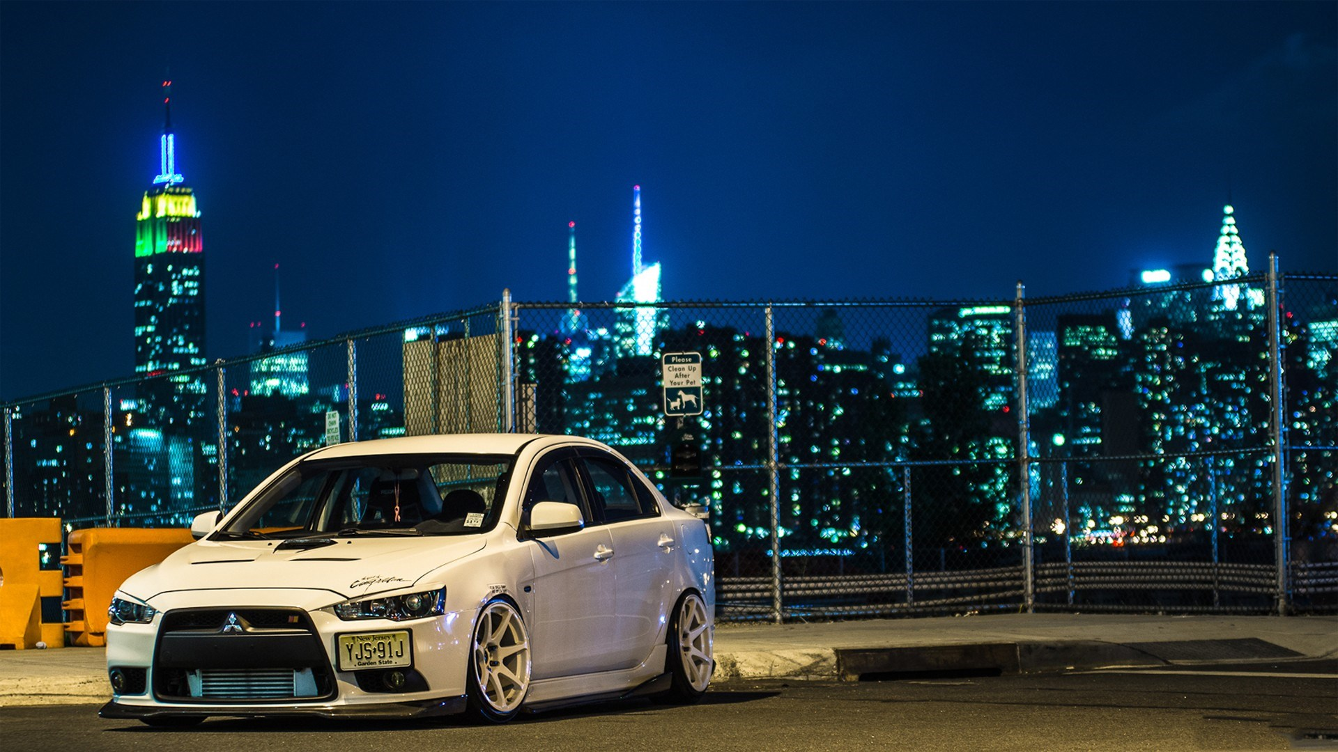 Mitsubishi Lancer Evolution Night
