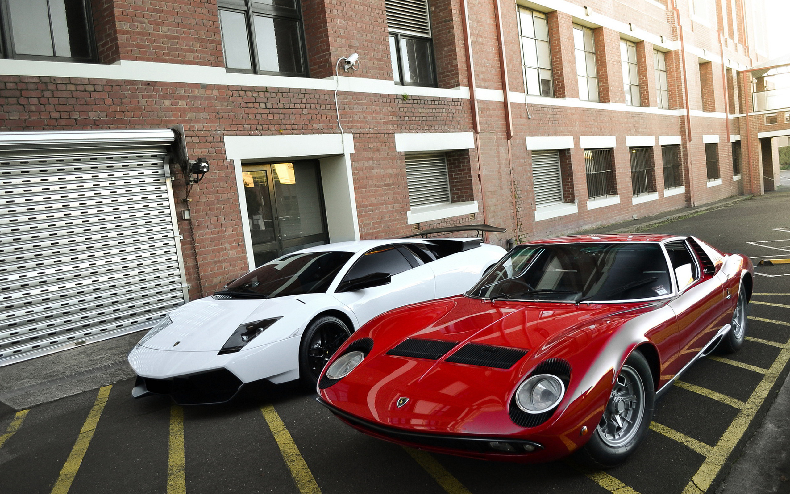 Miura and Murcielago Wallpapers Pictures Photos Images · «