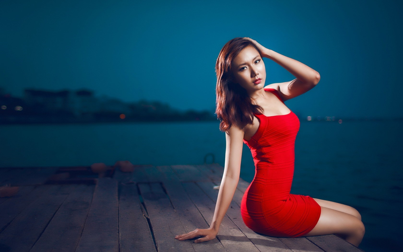 Model Girl Asian Dress Red
