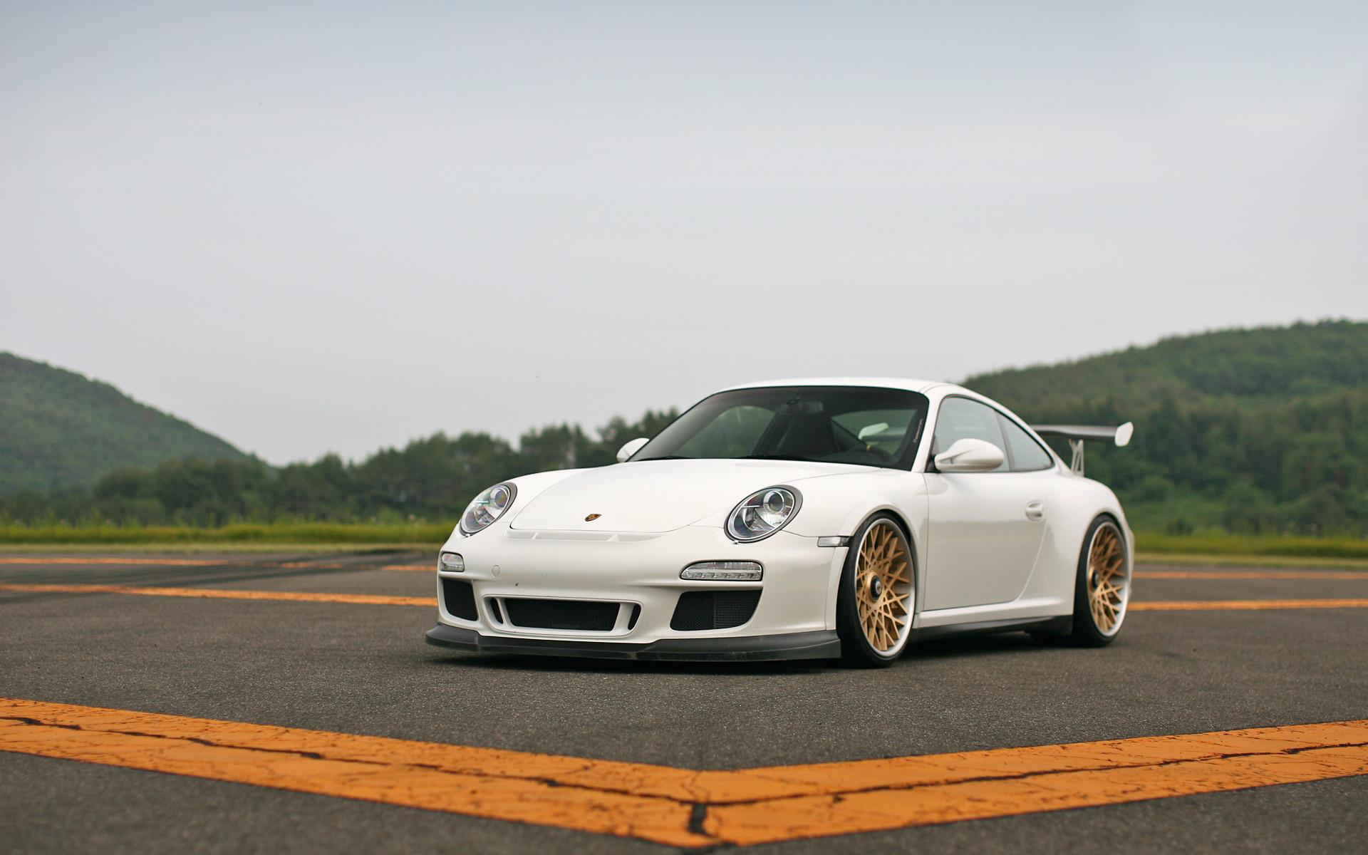 Modified Porsche GT3