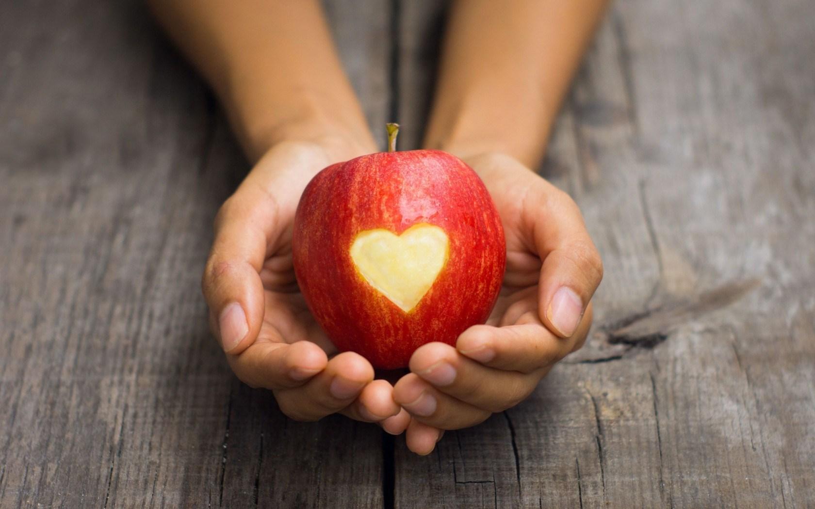 Mood Apple Heart Girl
