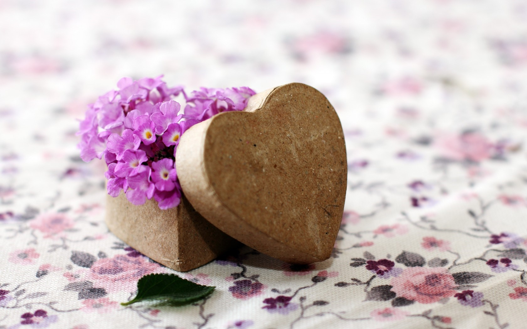 Mood Flowers Purple Box Heart