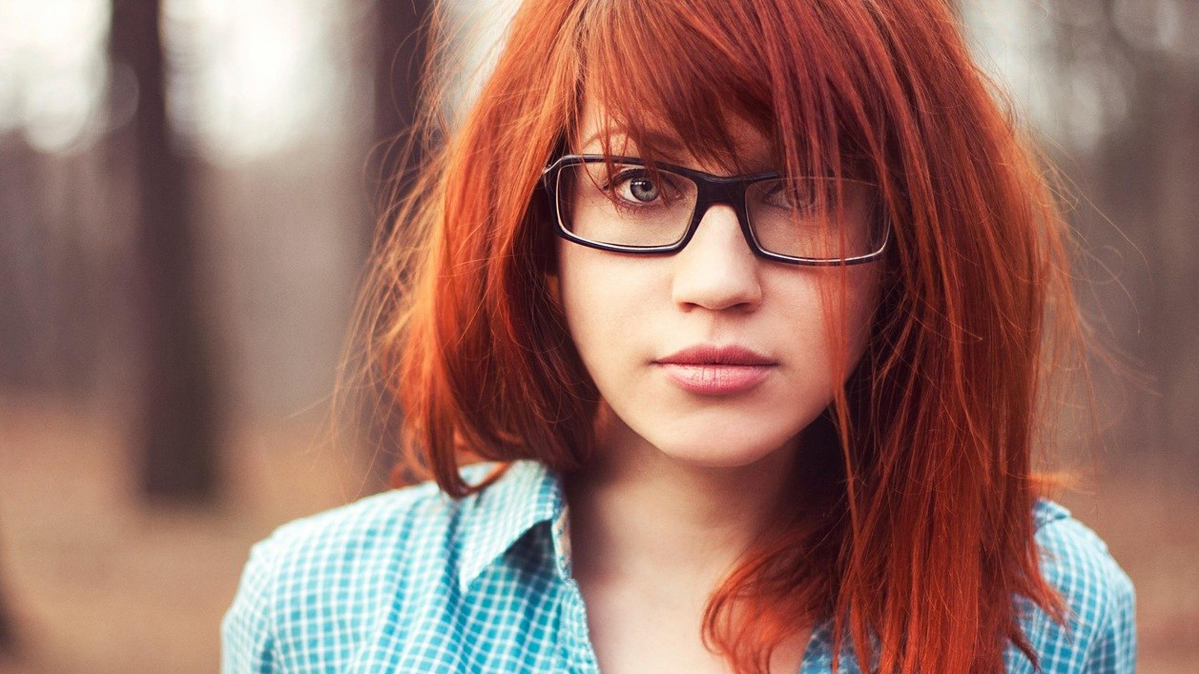 3840x2160 Wallpaper girl, redhead, glasses, autumn, mood, shirt