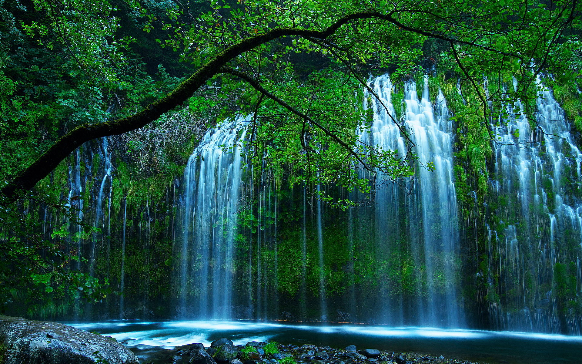 Mossbrae falls california