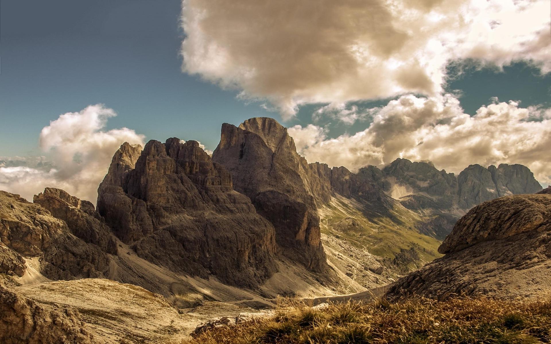 Mountain valley scenery