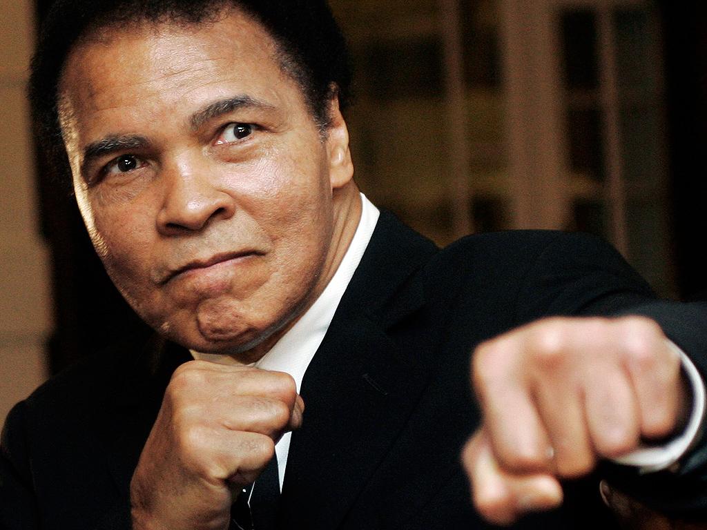 Muhammed Ali Hospitalized with Pneumonia