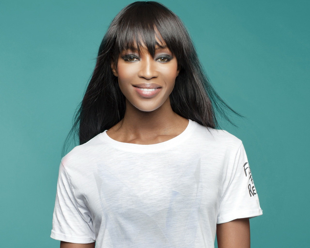 On an episode of, The Meredith Vieira Show, the legendary Naomi Campbell stopped by to dish the scoop on her latest projects and to share her thoughts on ...