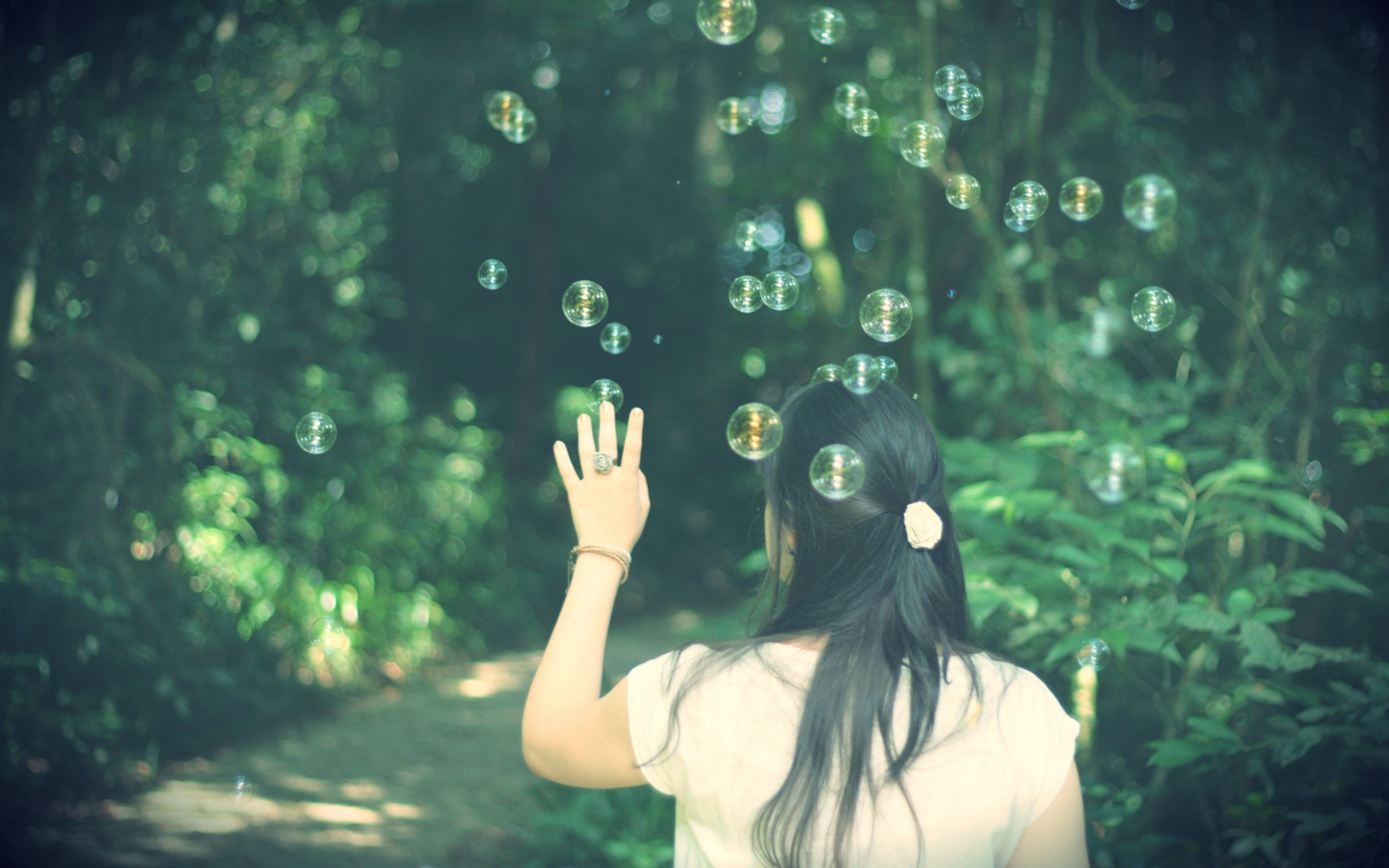 Mood Girl Brunette Bubbles Nature