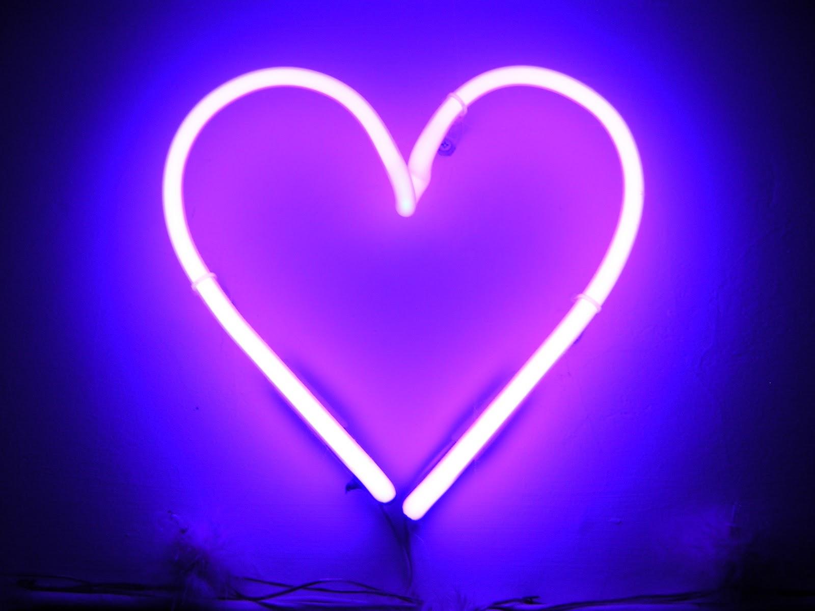 neon heart 1