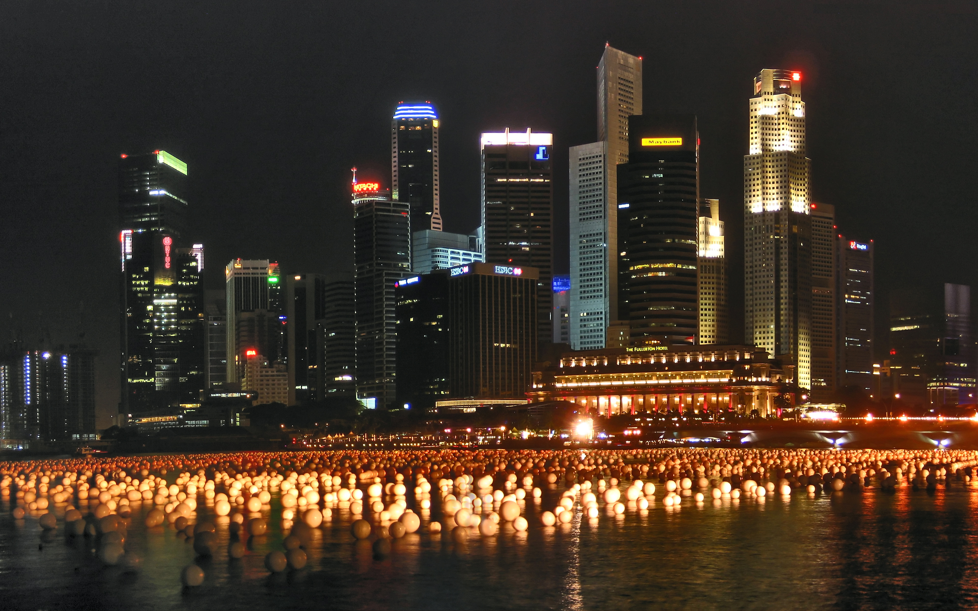 The skyline of Singapore as viewed at night. Night photography ...