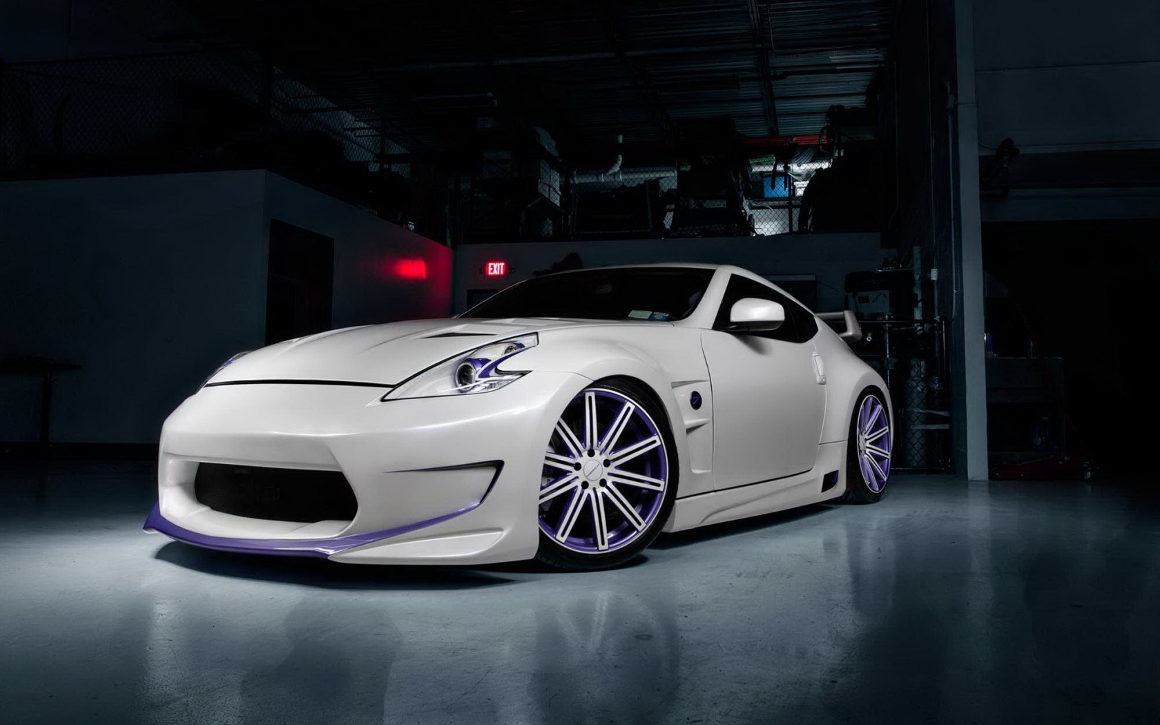 Nissan 370Z Car Tuning Parking