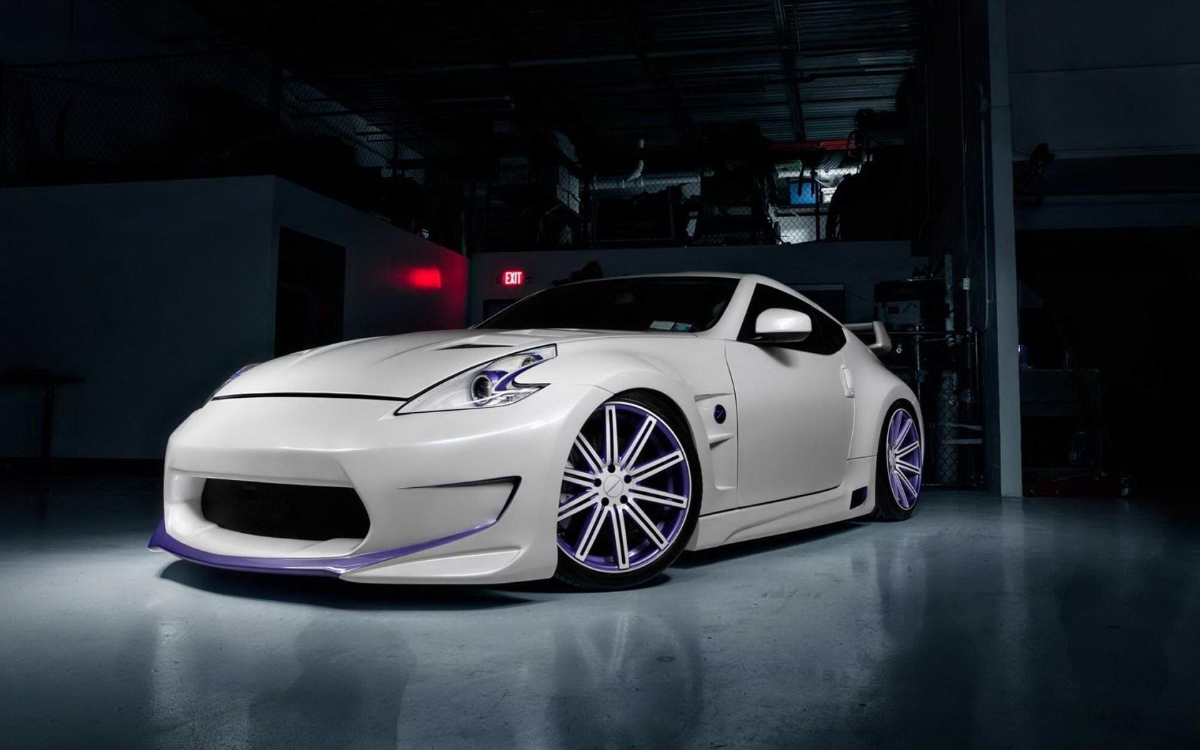 Nissan 370Z Car Tuning Parking