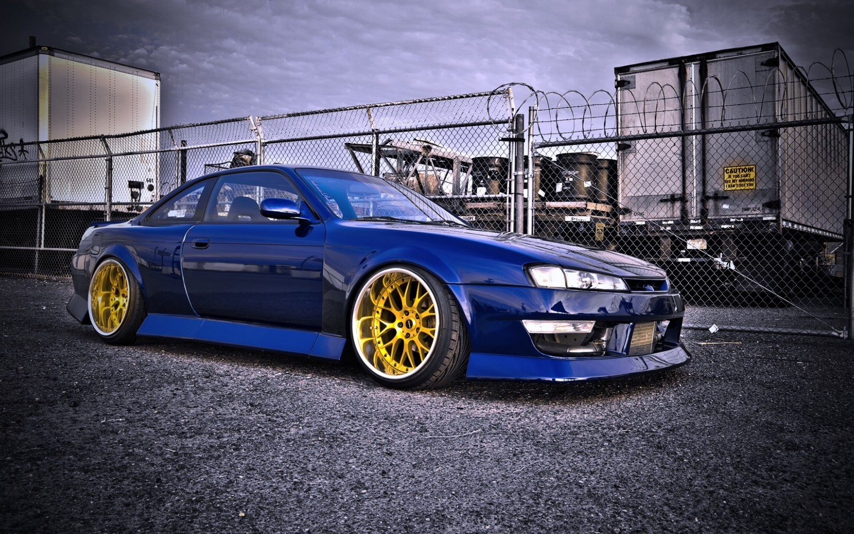 Nissan Silvia S14 Parking