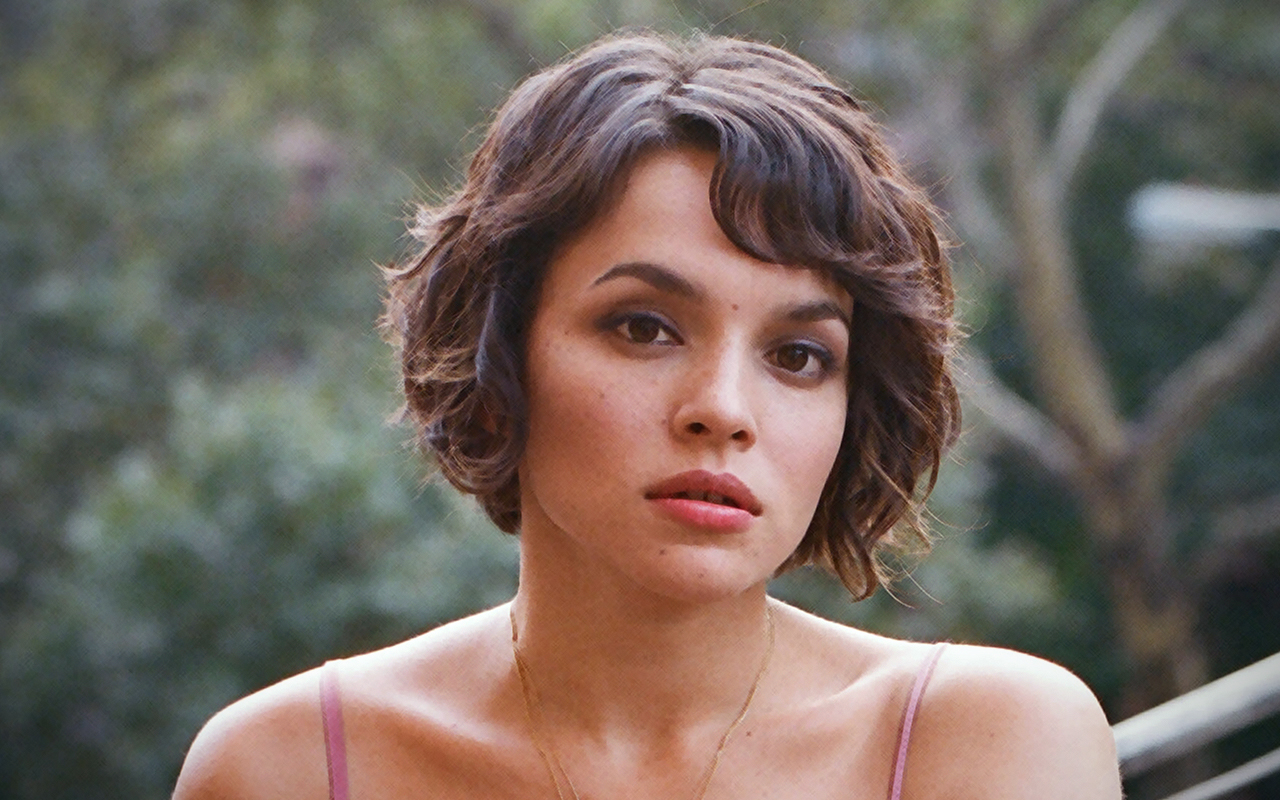 Norah Jones wal... Anime Taylor Swift