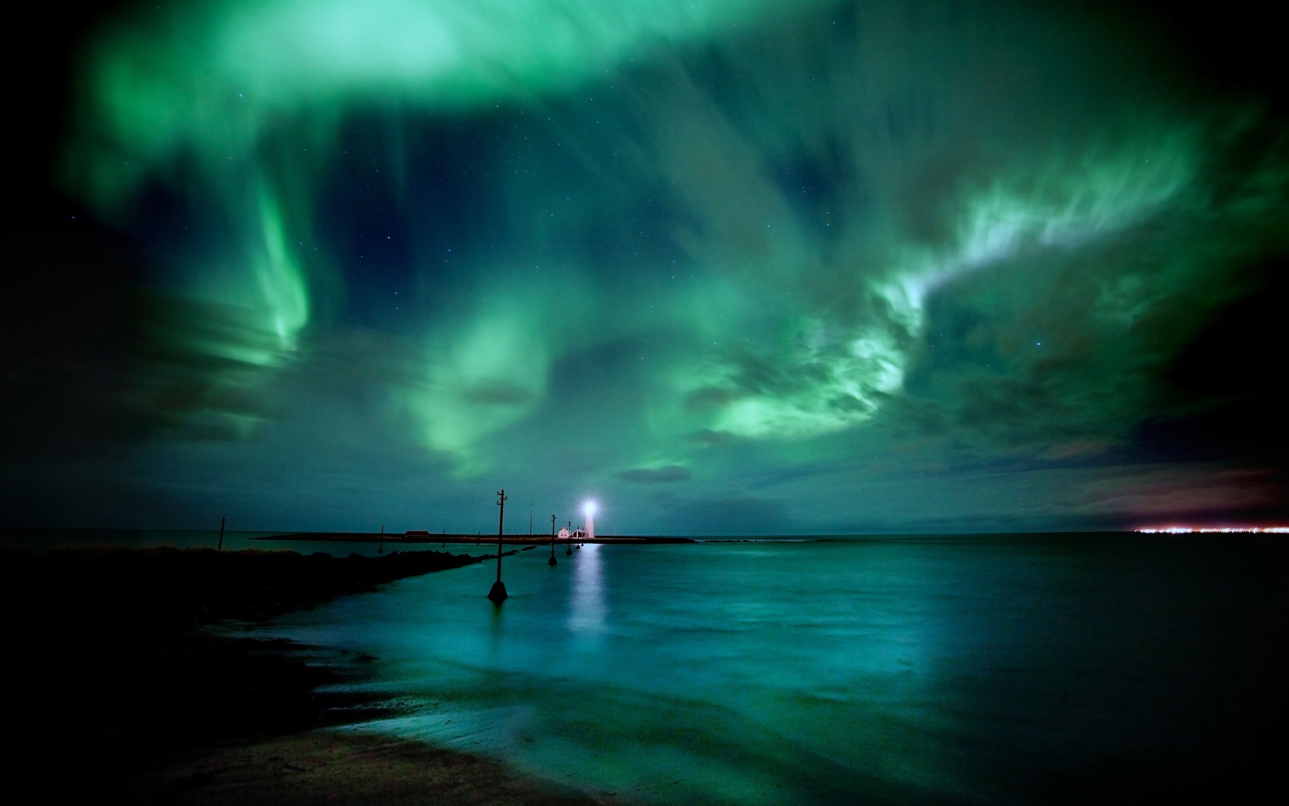 Green Aurora Borealis Northern Lights (click to view)