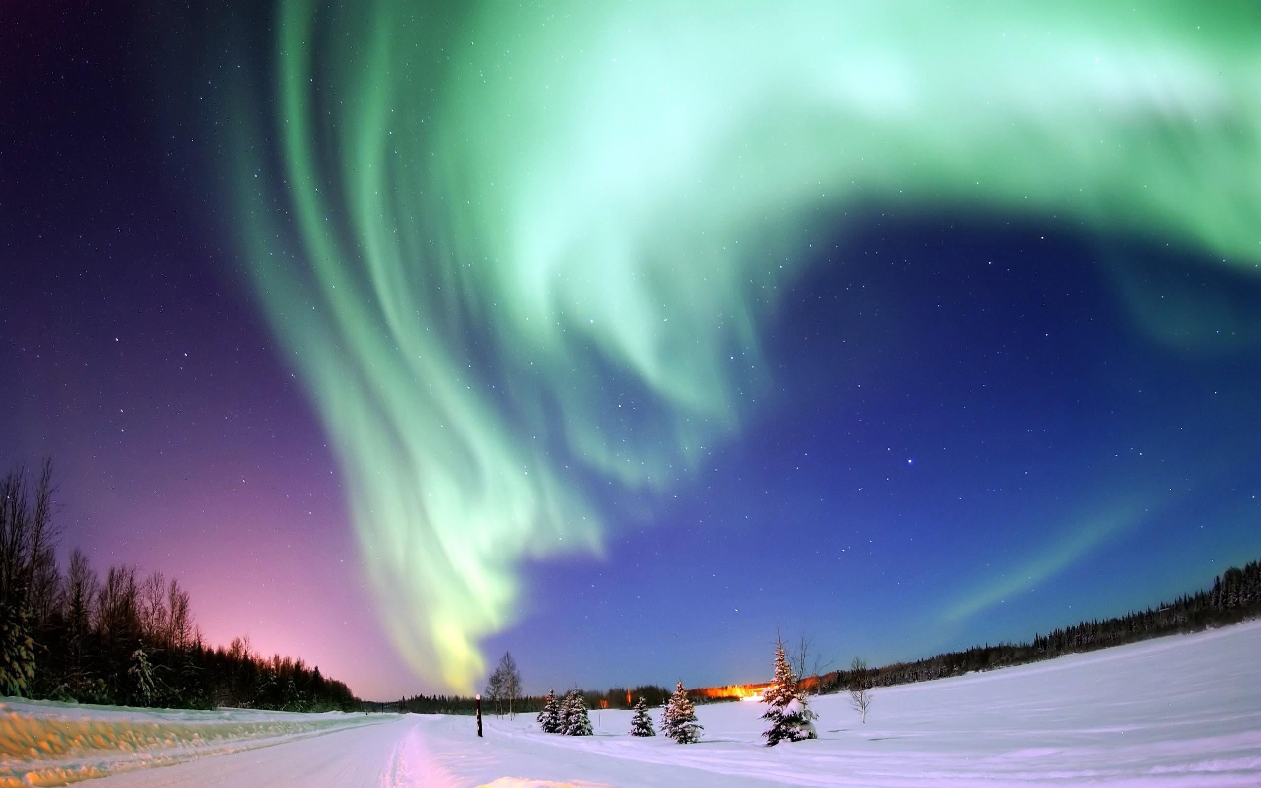 ... northern-lights-hd-wallpaper ...