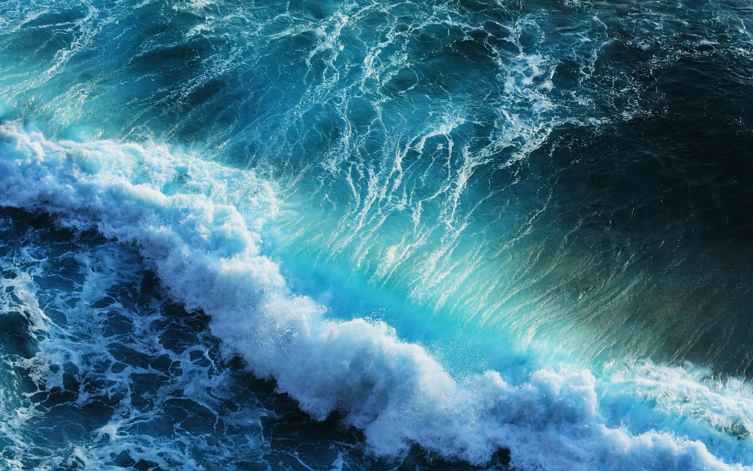 Beautiful Ocean Waves Wallpaper