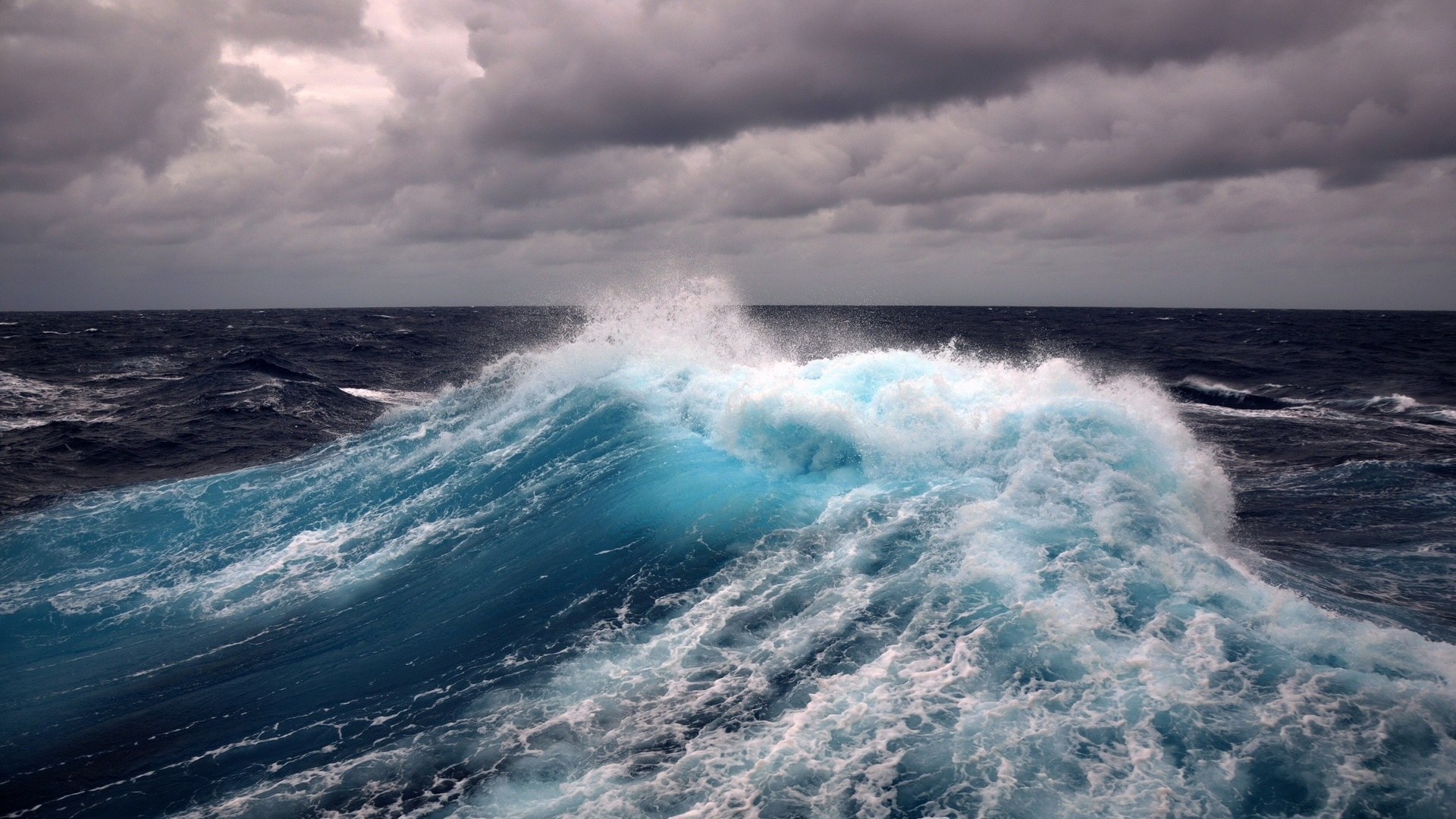 ... Ocean Waves Wallpaper ...