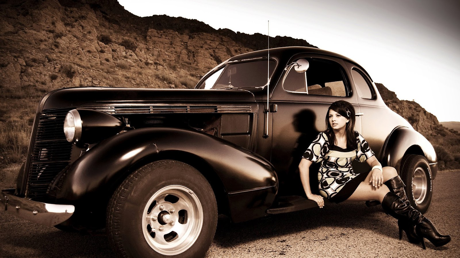 Antique Vintage Car And Girl Old Looking Photo Hd Desktop Wallpaper