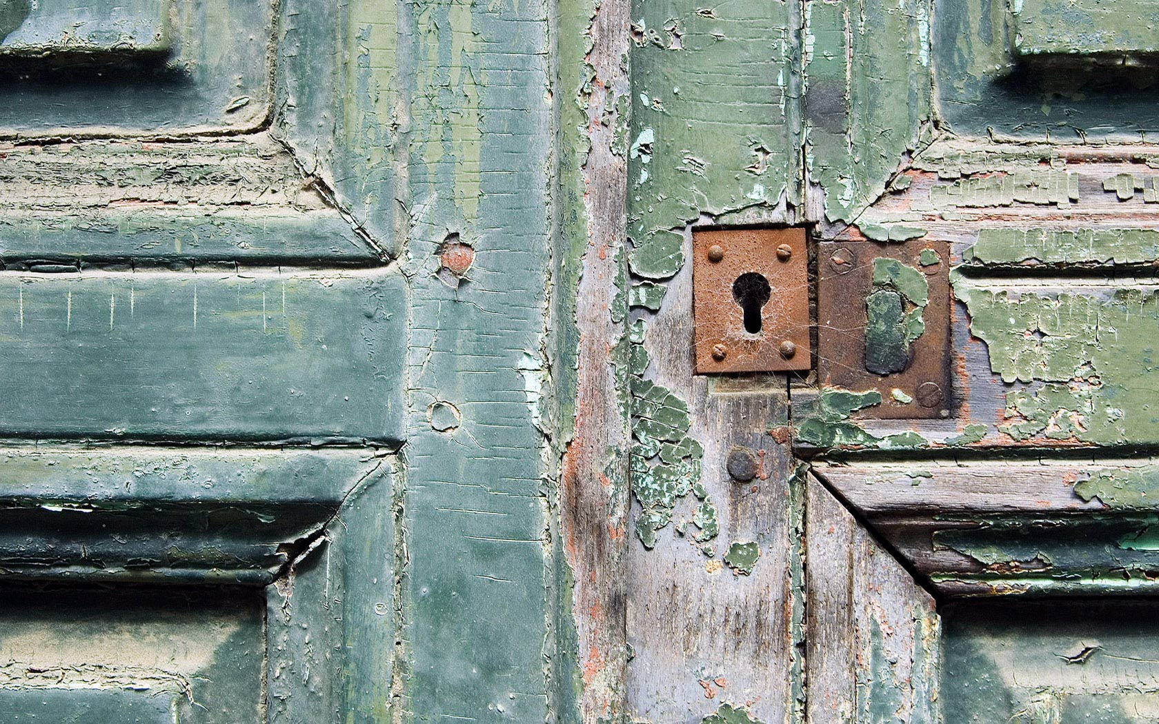 Old Door Wallpaper