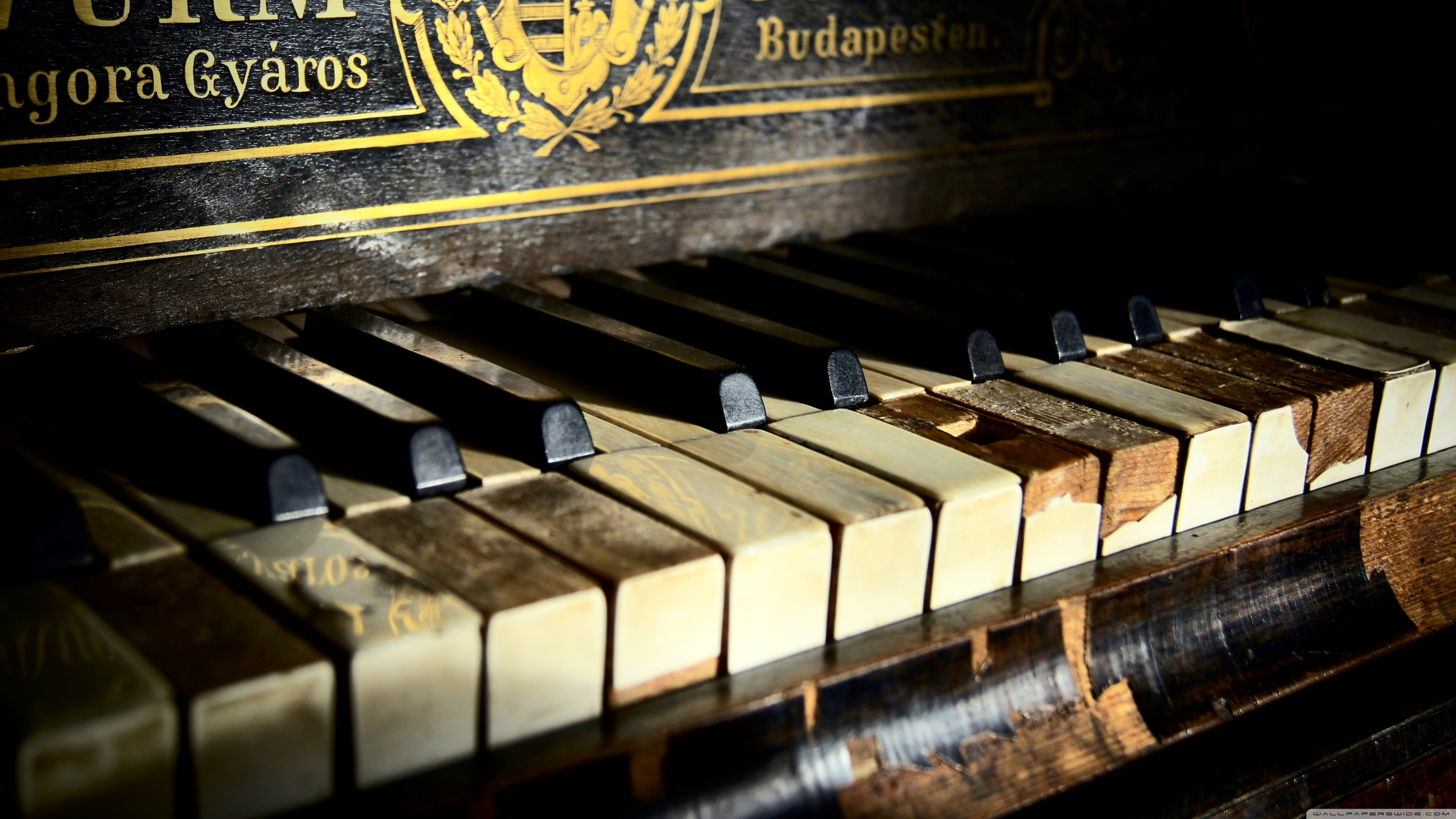 Old Piano Wallpaper 3840x2160 28776