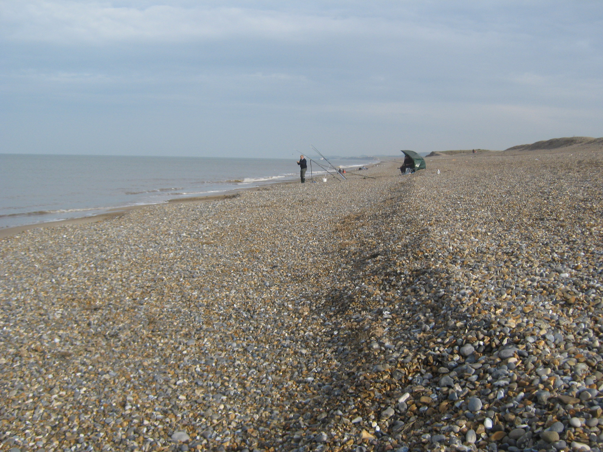 File:Looking south east on shingle beach Salthouse - geograph.org.uk -