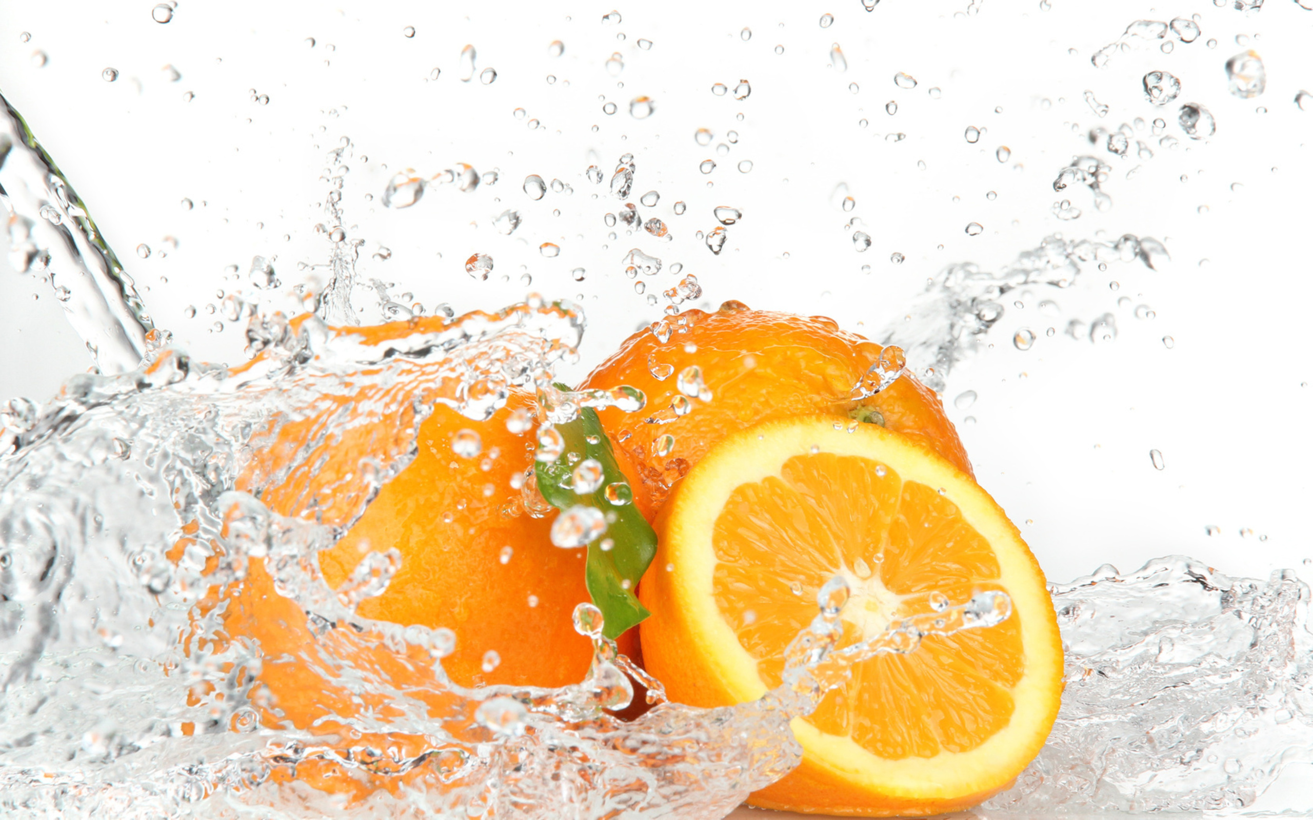 Orange Fruits And Splashing Water Wide Wallpaper #70560 - Resolution 2560x1600 px