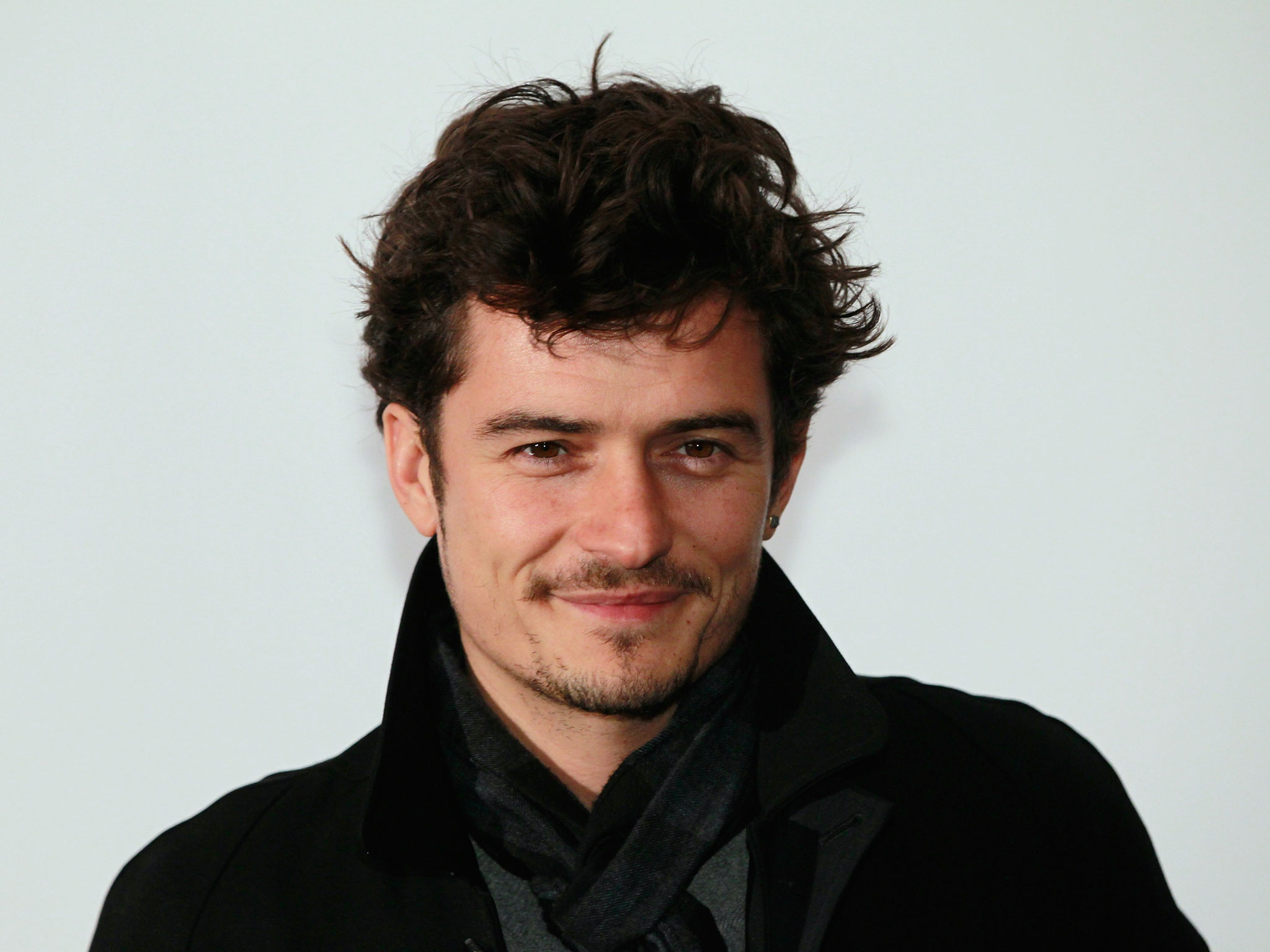 Orlando Bloom victory dances like no one's watching following alleged fight with Justin Bieber 'over Miranda Kerr' - People - News - The Independent