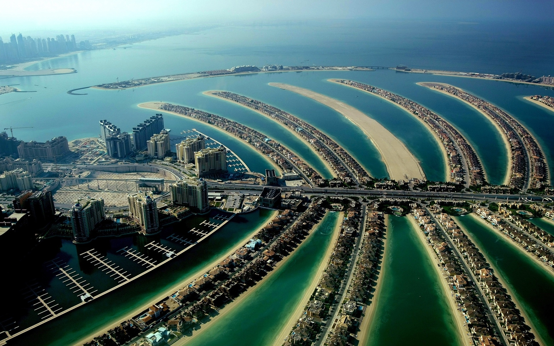 The Palm Jumeirah in Dubai wallpaper